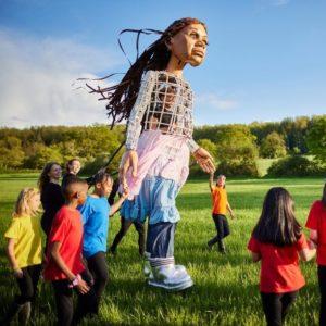 La Marche, un festival itinérant qui suit le parcours de la petite Amal, symbole des enfants réfugiés